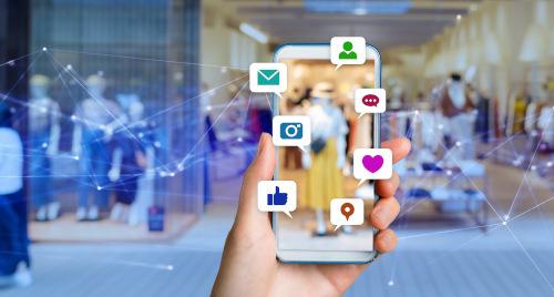 smartfon w wieloma aplikacjami